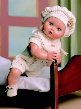 Juanín Baby with beige knitted romper and beret suit