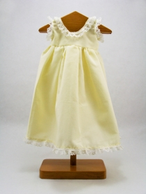 Yellow nightgown with lace