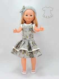 Printed gray dress with bonnet