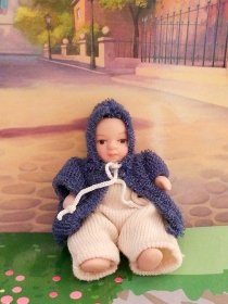 Baby with hood 1:12