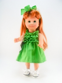 Lucia in green summer dress